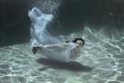 Gold-Coast-Underwater-Portrait-Photography-Bride-trash-the-dress