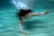 Underwater-Portrait-white-dress
