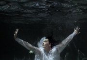 underwater-trash-the-dress-photography-portraits